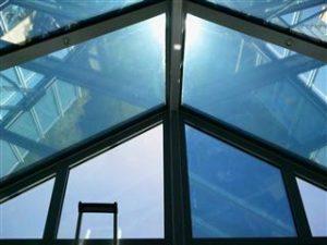Polycarbonat Sonnenschutzfolien von Protecfolien